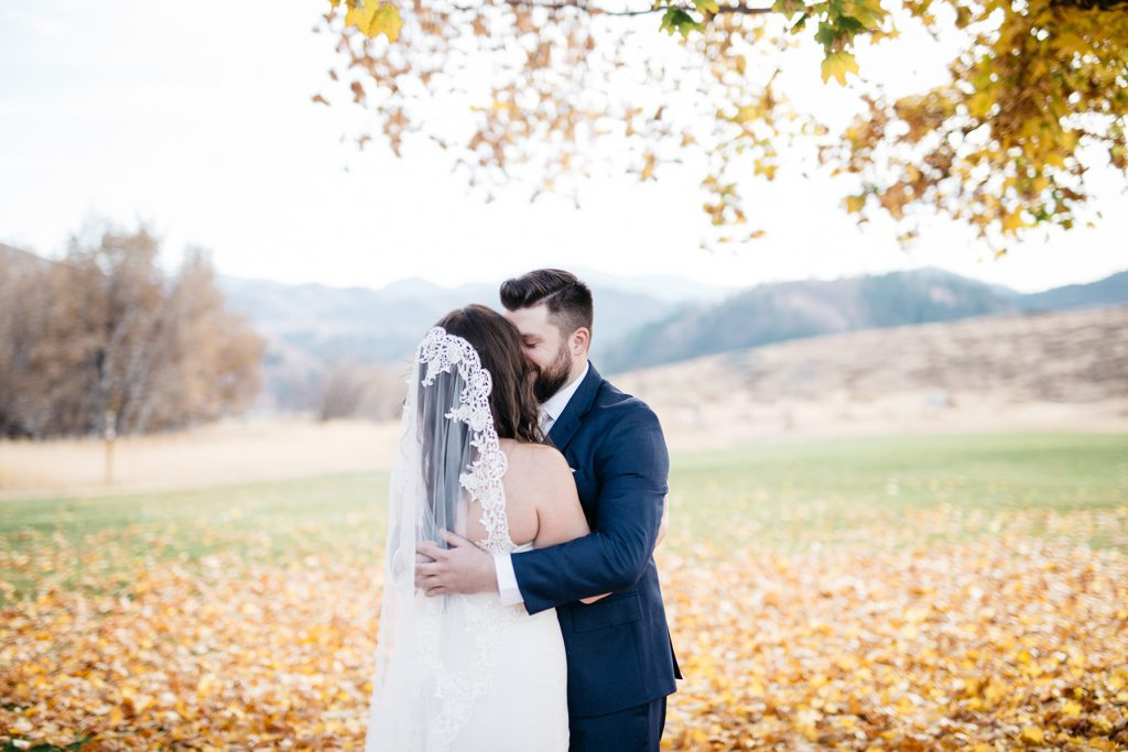 Sun Mountain Lodge Wedding Photographer
